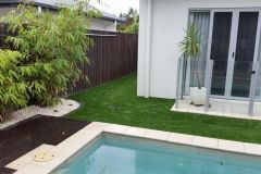 naturalising-synthetic-grass-3